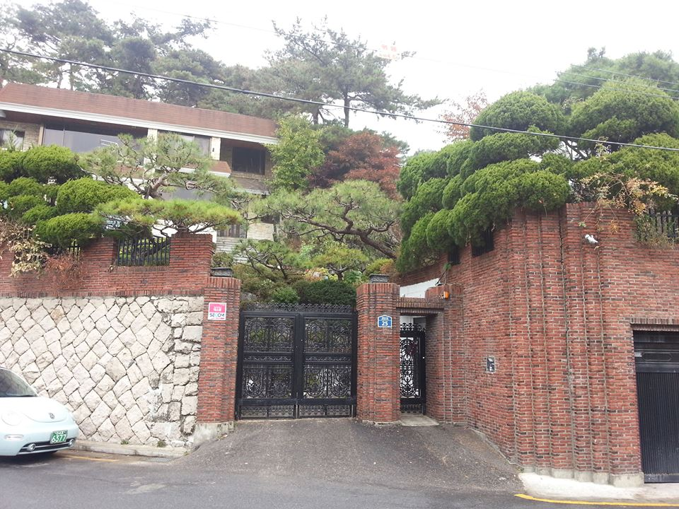 平倉洞(ピョンチャンドン)の豪邸巡り