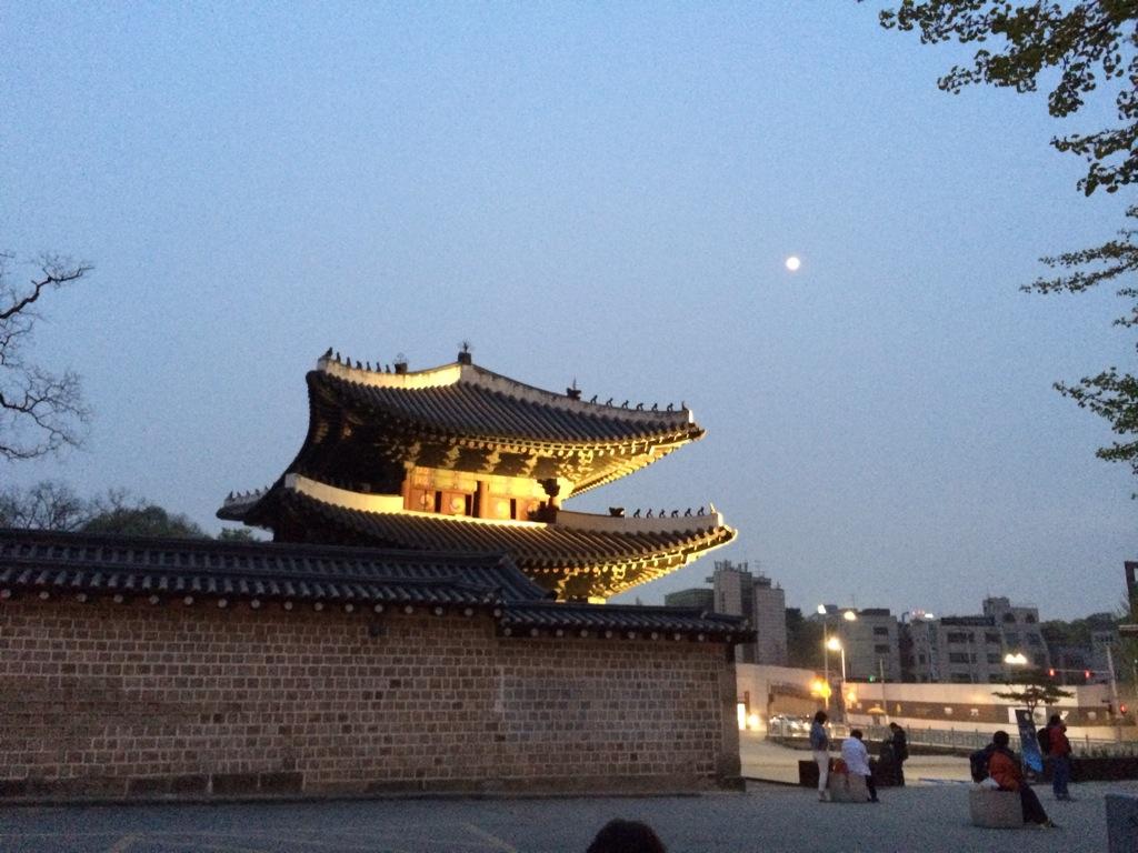 昌徳宮・夜間特別観覧「月灯り紀行」