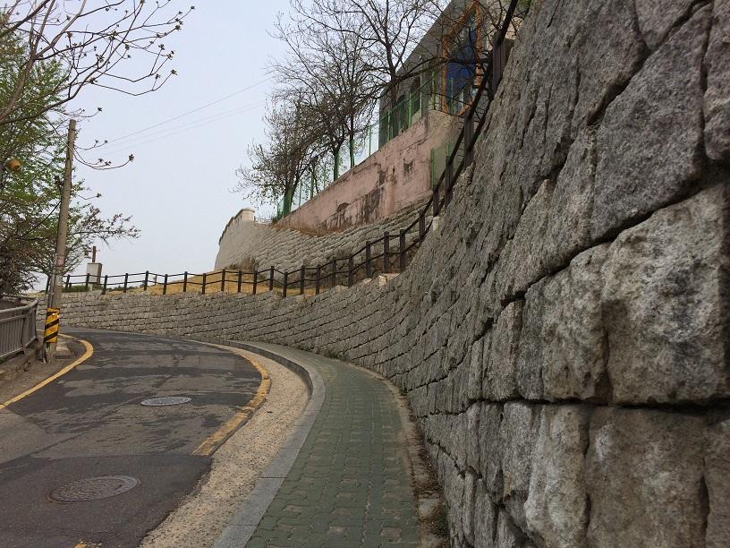 月岩近隣公園(ウォルアムコンウォン)
