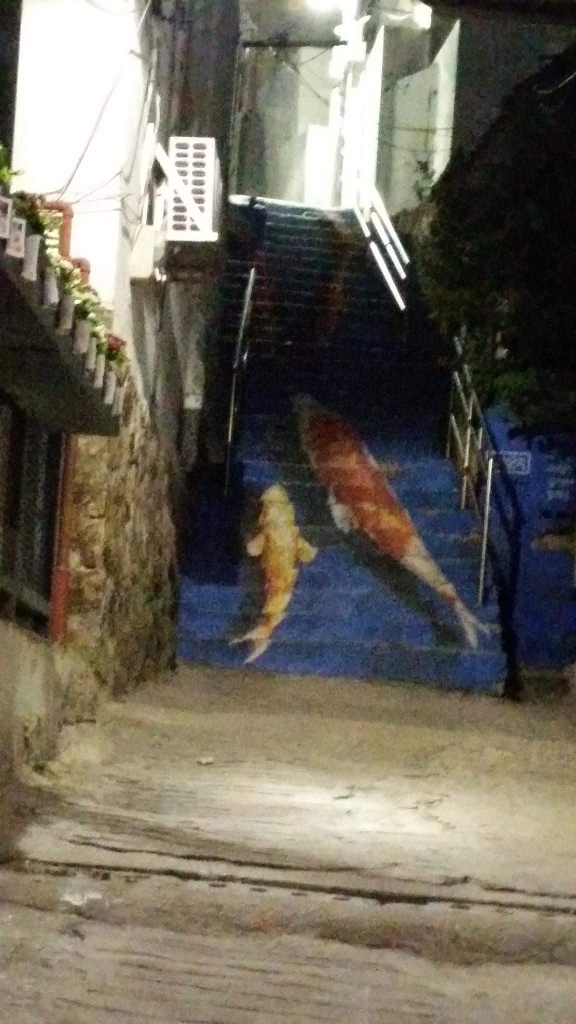 夜の梨花洞(イファドン)路上美術館