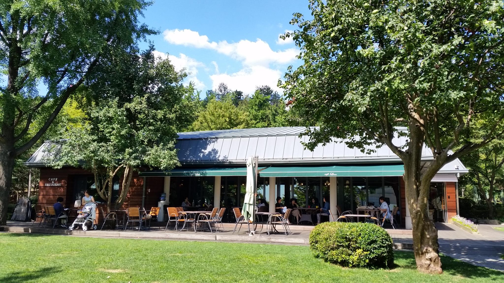 グランドハイアット前にあるカフェ・レストラン「La Spera」
