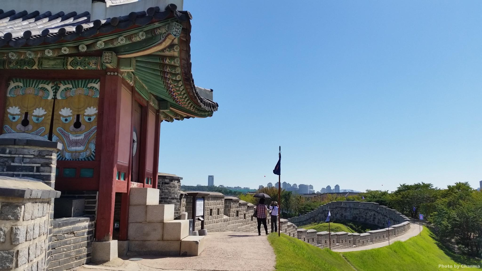 水原華城(スウォンファソン)を歩いてまわる